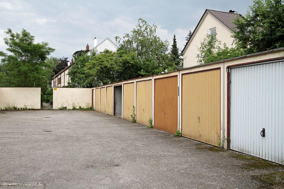 Garagenhof im Münchner Stadtteil Moosach